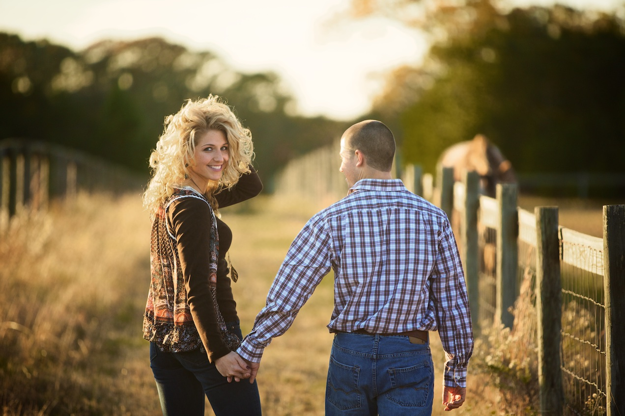 engaged-brooke-nathan-cotton-fields-countryside 031