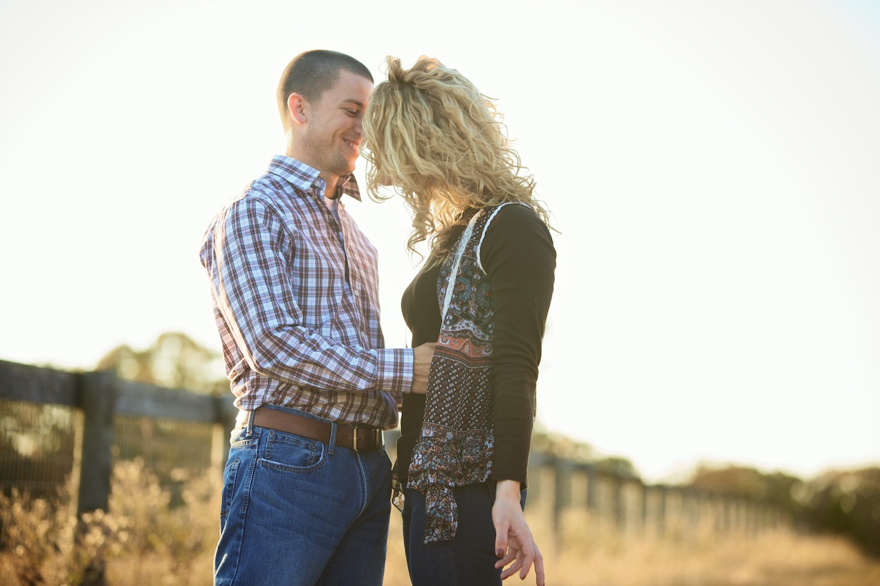 engaged-brooke-nathan-cotton-fields-countryside 034