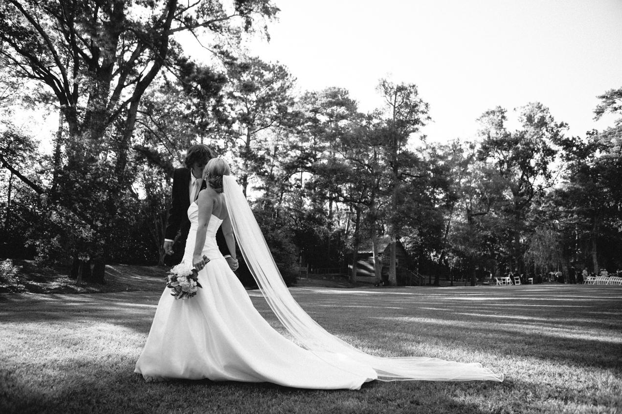 nicole-matthew-living-history-park-wedding-00004