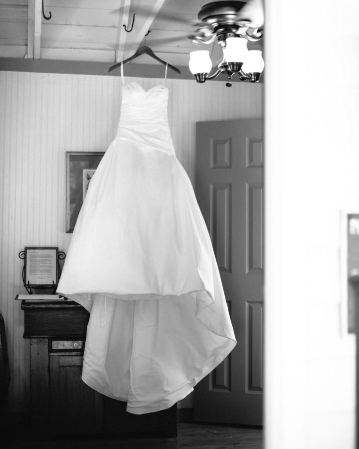 nicole-matthew-living-history-park-wedding-00014