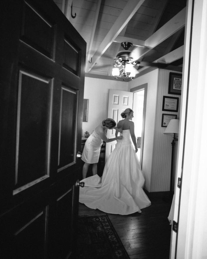 nicole-matthew-living-history-park-wedding-00017