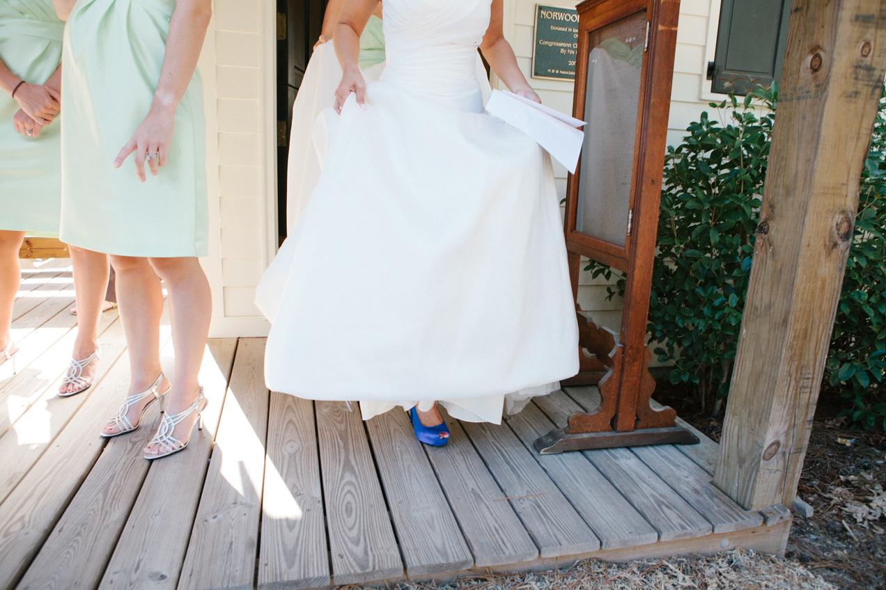nicole-matthew-living-history-park-wedding-00018