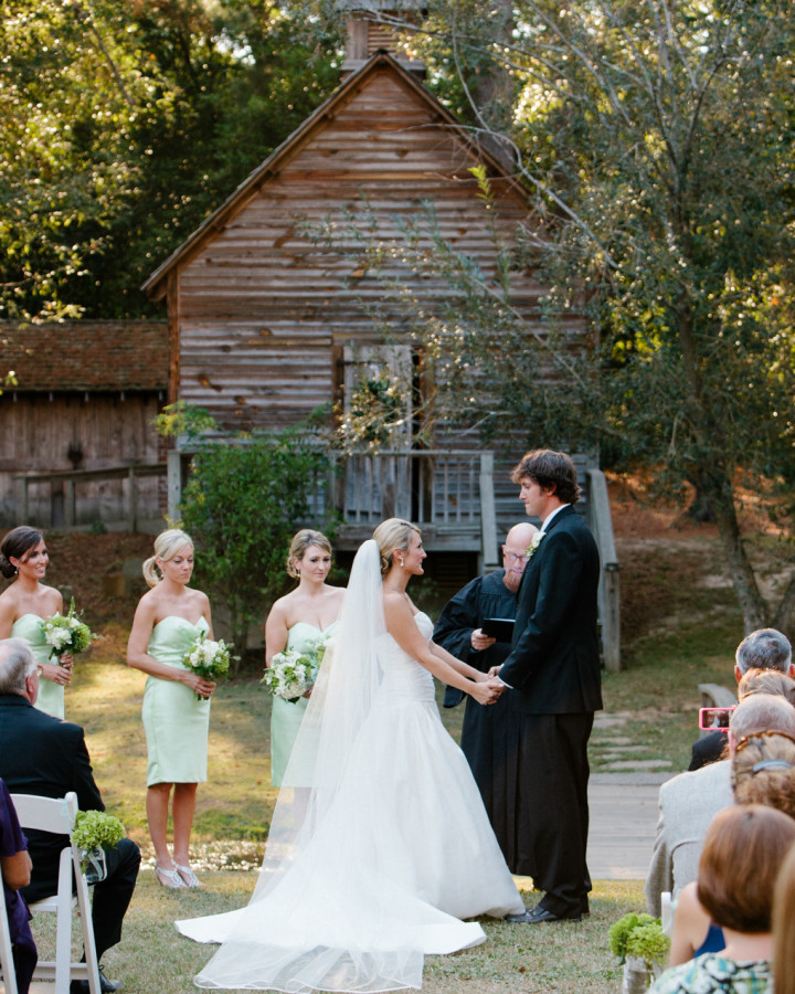 nicole-matthew-living-history-park-wedding-00032