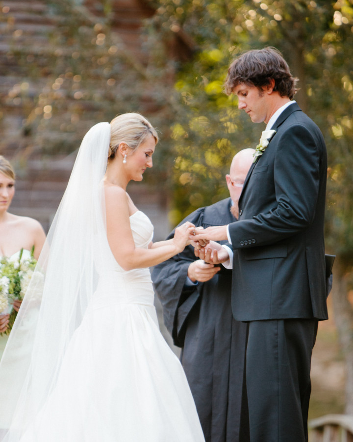 nicole-matthew-living-history-park-wedding-00033