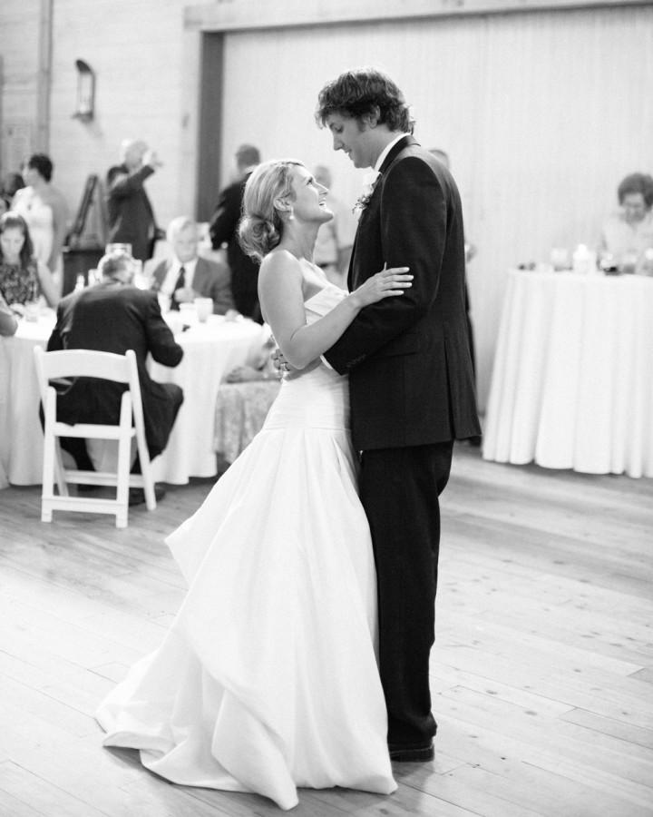 nicole-matthew-living-history-park-wedding-00038