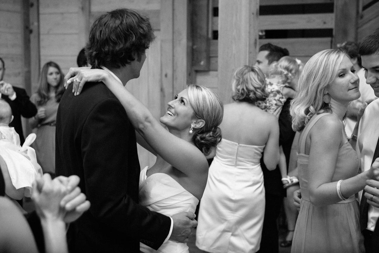 nicole-matthew-living-history-park-wedding-00040