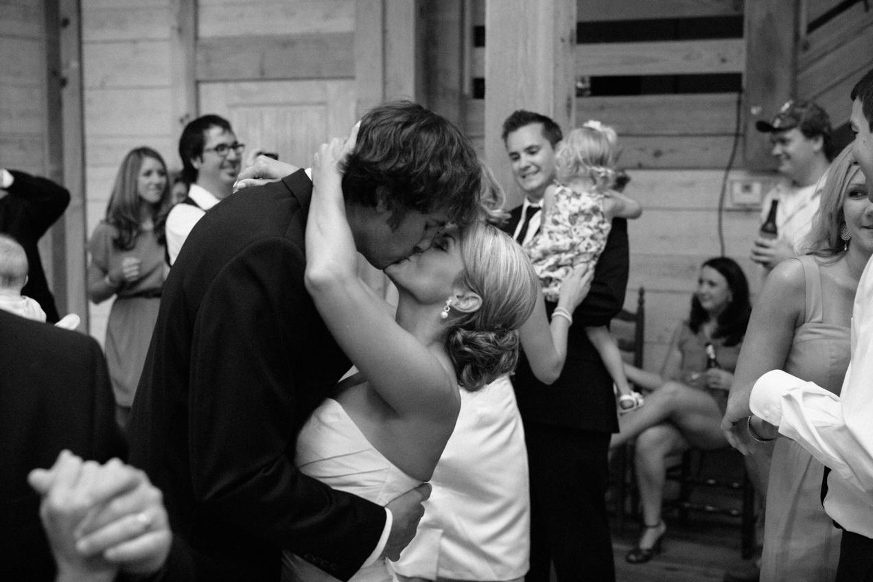 nicole-matthew-living-history-park-wedding-00041