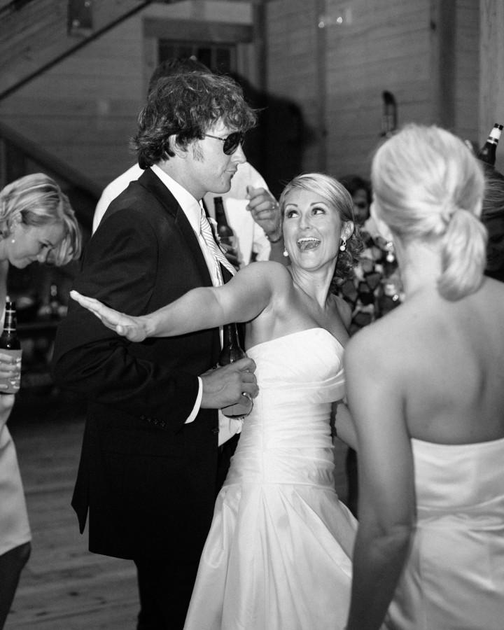 nicole-matthew-living-history-park-wedding-00043