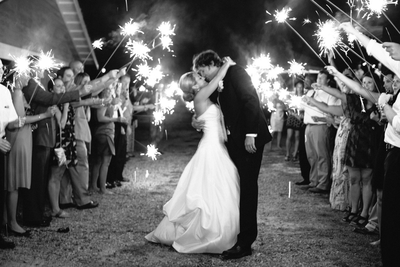 nicole-matthew-living-history-park-wedding-00046