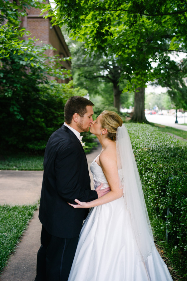 rachel-and-noah-atlanta-wedding-first-presbyterian-photographer-00015